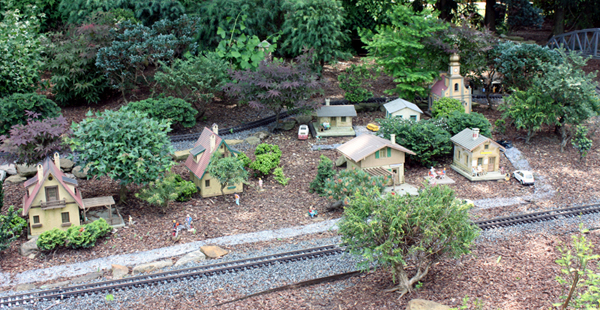 Living miniature container garden by lynn mcentire male models picture - The tiny house village a miniature settlement ...