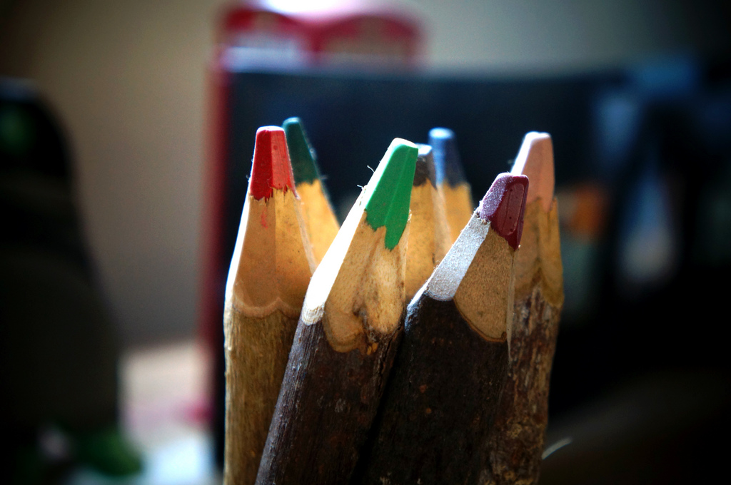 Crayons by Rafael Souza