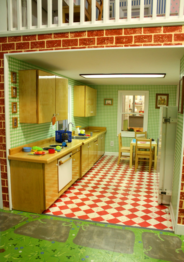 Oak Ridge Childrens Museum Dollhouse Kitchen