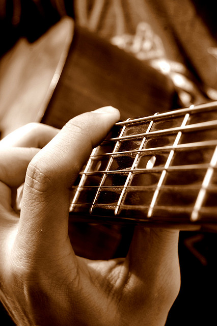 Guitar by seriousbri on flickr