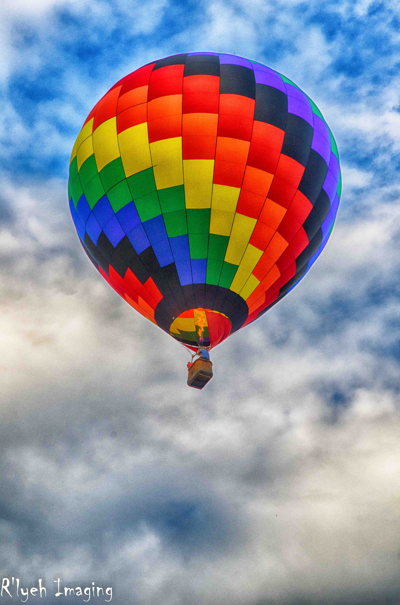 Hot Air Balloon by R'lyeh Imaging on flickr