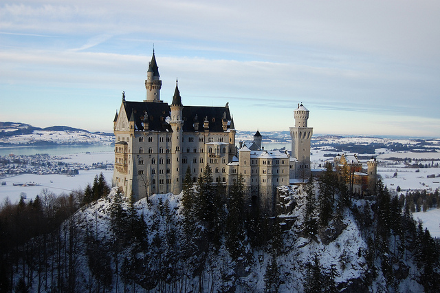 Neuschwanstein Schloss Castle by Pedro Paulo Boaventura Grein on flickr