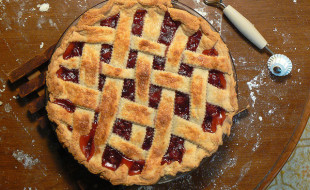 Cherry Pie by Benny Mazur on flickr